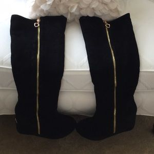 Size 7, Eur 37, wedge boots